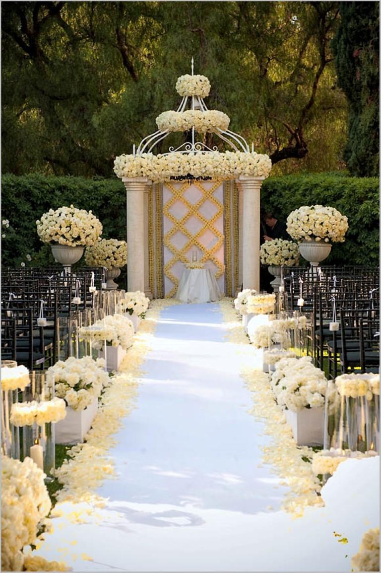 Our Top 9 Aisle Decorations - A Lavish Affair