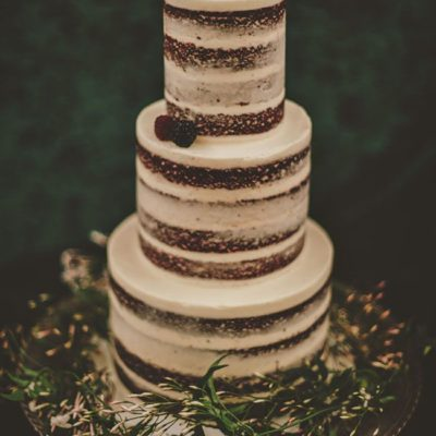 For The Love of Cake! The Naked Cake Trend