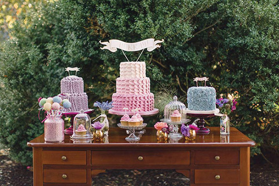 inspiring-wedding-cake-and-dessert-tables-11