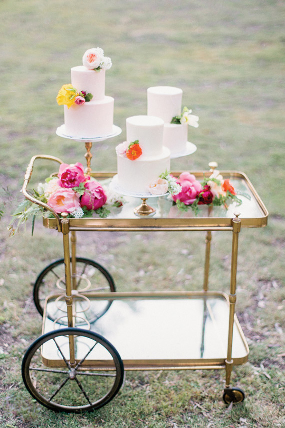 inspiring-wedding-cake-and-dessert-tables-7