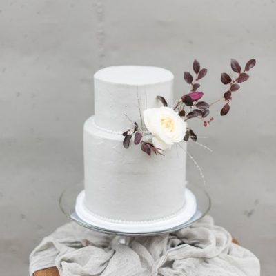 Styling Inspiration for the Minimalist Bride